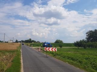 Rozpoczęła się budowa chodnika przy drodze gminnej w miejscowości Barcikowo